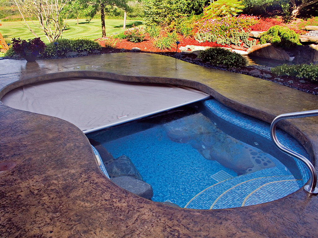 Automatic pool covers for odd shaped pools Double Kidney Shaped Coverpools Cover Any Type Of Pool Coverpools